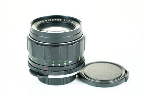 Rikenon 55mm f1.4  รูปขนาดปก ลำดับที่ 5 Rikenon 55mm f1.4