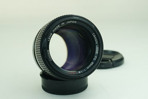 Canon 85mm f1.8 S.S.C.  รูปขนาดปก ลำดับที่ 1 Canon 85mm f1.8 S.S.C.