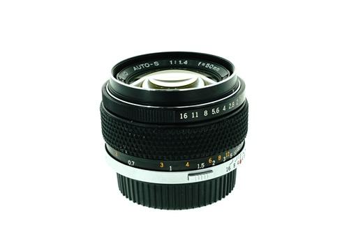 Olympus 50mm f1.4  รูปขนาดปก ลำดับที่ 3 Olympus 50mm f1.4
