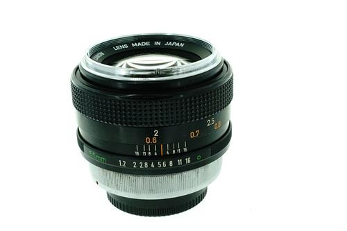 Canon FD 55mm f1.2  รูปขนาดปก ลำดับที่ 2 Canon FD 55mm f1.2
