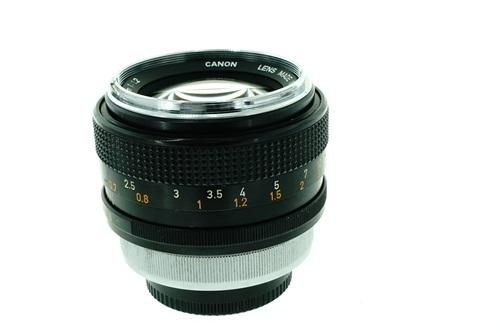 Canon FD 55mm f1.2  รูปขนาดปก ลำดับที่ 3 Canon FD 55mm f1.2