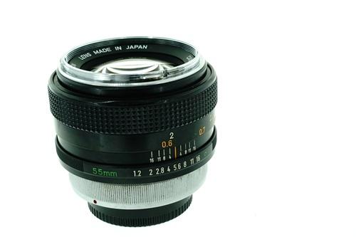 Canon FD 55mm f1.2  รูปขนาดปก ลำดับที่ 6 Canon FD 55mm f1.2