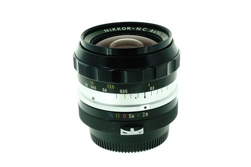 Nikon 24mm f2.8  รูปขนาดปก ลำดับที่ 2 Nikon 24mm f2.8
