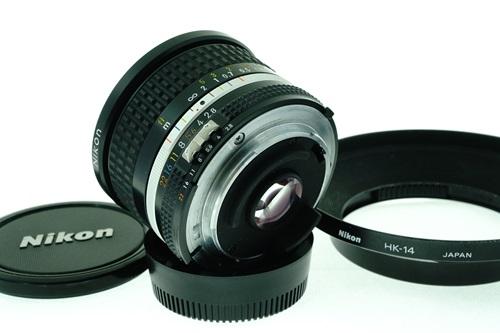 Nikon 20mm f2.8  รูปขนาดปก ลำดับที่ 7 Nikon 20mm f2.8