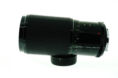Vivitar Series 1 70-210mm f2.8-4 #2  รูปขนาดปก ลำดับที่ 3 Vivitar Series 1 70-210mm f2.8-4