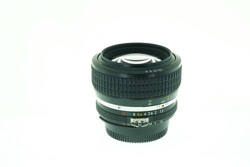 Nikon 50mm f1.2  รูปขนาดปก ลำดับที่ 2 Nikon 50mm f1.2