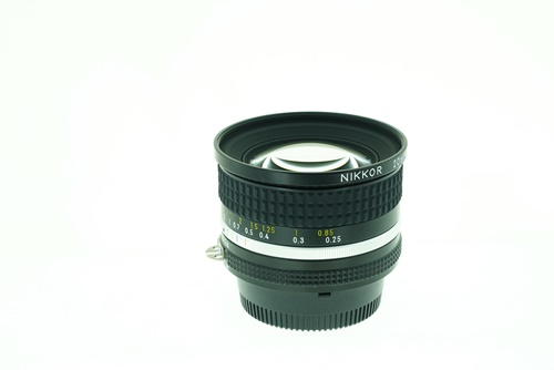 Nikon 20mm f2.8  รูปขนาดปก ลำดับที่ 3 Nikon 20mm f2.8