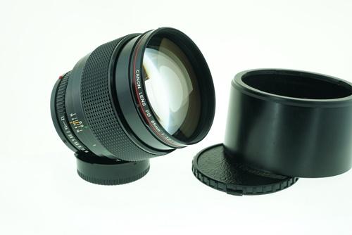 Canon 85mm f1.2L  รูปขนาดปก ลำดับที่ 1 Canon 85mm f1.2L