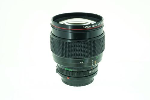 Canon 85mm f1.2L  รูปขนาดปก ลำดับที่ 6 Canon 85mm f1.2L
