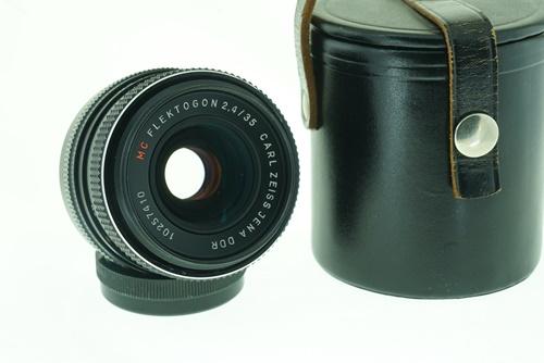 Carl Zeiss Flektogon 35mm f2.4  รูปขนาดปก ลำดับที่ 1 Carl Zeiss Flektogon 35mm f2.4