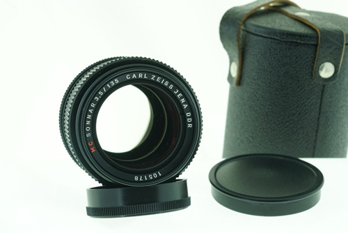 Carl Zeiss Sonnar 135mm f3.5  รูปขนาดปก ลำดับที่ 1 Carl Zeiss Sonnar 135mm f2.8