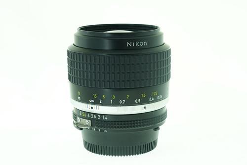 Nikon 35mm f1.4  รูปขนาดปก ลำดับที่ 3 Nikon 35mm f1.4