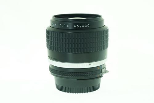 Nikon 35mm f1.4  รูปขนาดปก ลำดับที่ 6 Nikon 35mm f1.4