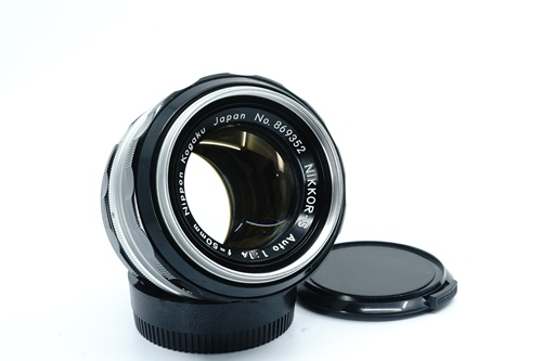 Nikon 50mm f1.4 มะเฟือง  รูปขนาดปก ลำดับที่ 1 Nikon 50mm f1.4 มะเฟือง