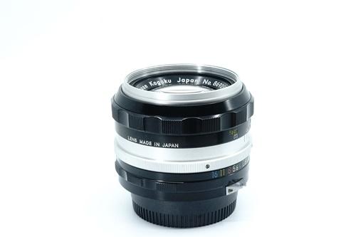 Nikon 50mm f1.4 มะเฟือง  รูปขนาดปก ลำดับที่ 5 Nikon 50mm f1.4 มะเฟือง