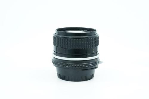 Nikon 24mm f2.8  รูปขนาดปก ลำดับที่ 6 Nikon 24mm f2.8