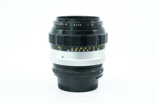 Nikon 85mm f1.8 (มะเฟือง)  รูปขนาดปก ลำดับที่ 5 Nikon 85mm f1.8 (มะเฟือง)