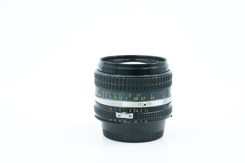 Nikon 50mm f1.4  รูปขนาดปก ลำดับที่ 2 Nikon 50mm f1.4