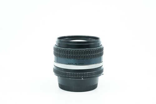 Nikon 50mm f1.4  รูปขนาดปก ลำดับที่ 5 Nikon 50mm f1.4
